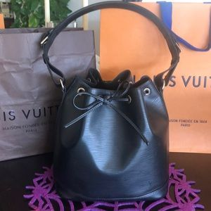 Louis Vuitton petit noe epi NWOT